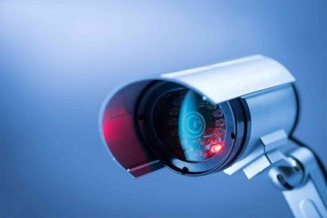 جاسوسی تکنسین آمریکایی از دوربینهای مداربسته صدها مشتری