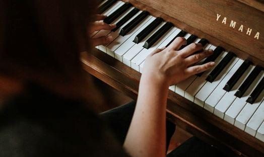کلاس ساز دهنی یا کلاس پیانو یادگیری کدام یک ساده تر است ؟