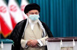 حضور مردم پای صندوقهای رای و دادن رأی سازنده آینده ایران است