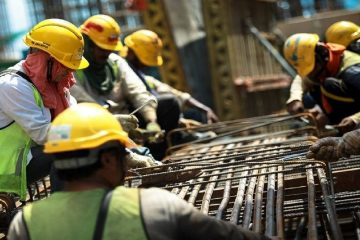 یک بام و دو هوای اجرای طرح طبقه بندی مشاغل/ تضییع حقوق کارگران به بهانه دریافت مزد بیشتر