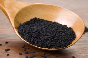 درمان این دردها با مصرف سیاه دانه+ مقدار مصرف