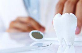 استفاده از نخ دندان و مسواک به پیشگیری از کووید۱۹ شدید کمک می کند